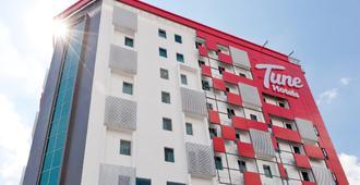 Tune Hotel Georgetown Penang - George Town - Gebäude