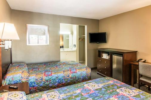 Rodeway Inn Regalodge - Glendale - Bedroom