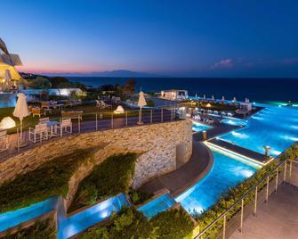 Lesante Blu Exclusive Beach Resort - Adults Only - Tragaki - Басейн