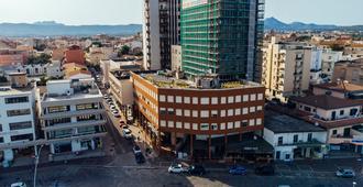 De Plam - אולביה - בניין