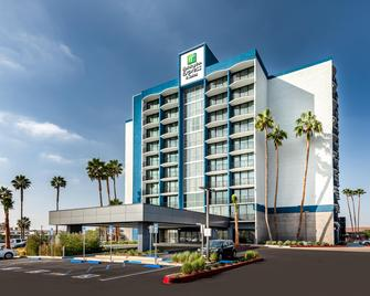 Holiday Inn Express & Suites Santa Ana - Orange County - Санта-Ана - Building