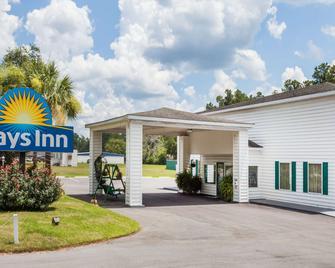 Days Inn by Wyndham Hampton - Hampton - Building