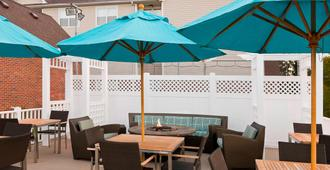 Residence Inn by Marriott Madison East - Madison - Patio