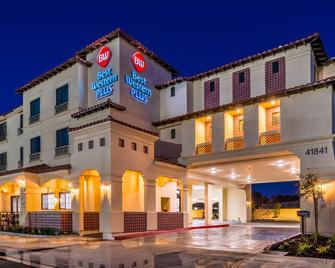 Best Western Plus Temecula Wine Country Hotel & Suites - Temecula - Gebäude