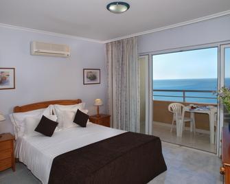 Apartamentos Turisticos Jardins Da Rocha - Portimão - Bedroom