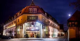 Hotel im. Jana Pawla II - Wroclaw - Building