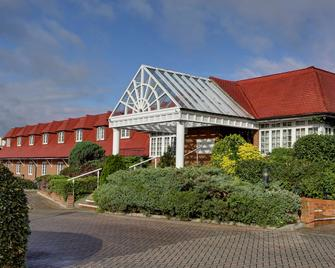 Best Western Reading Calcot Hotel - Reading - Building