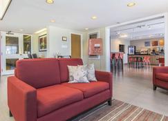 Comfort Inn - Yarmouth - Living room
