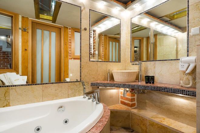 Aparthotel Stare Miasto - Krakow - Bathroom