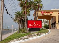 Ramada by Wyndham & Suites South Padre Island - South Padre Island - Rakennus
