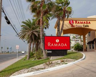 Ramada by Wyndham & Suites South Padre Island - South Padre Island - Gebäude