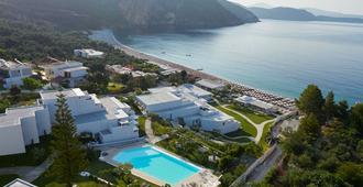 Lichnos Beach Hotel & Suites - פארגה - בריכה