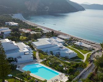 Lichnos Beach Hotel & Suites - Parga - Pool