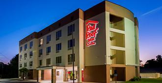 Red Roof Inn & Suites Fayetteville-Fort Bragg - פאייטוויל