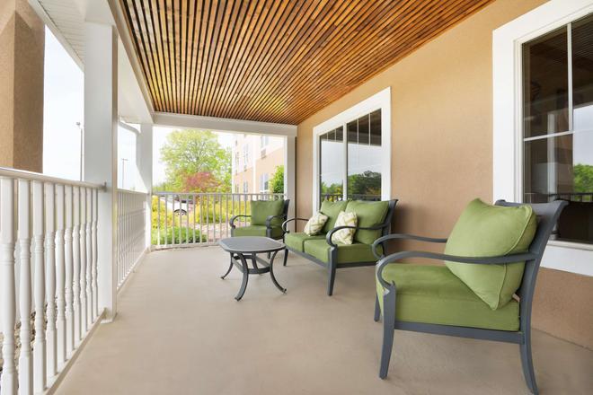 Country Inn & Suites by Radisson, Burlington, NC - Burlington - Balcony