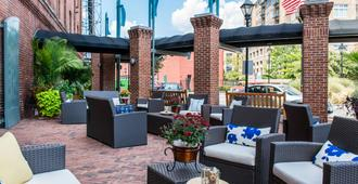 The Inn At Henderson's Wharf, Ascend Hotel Collection - Baltimora - Patio