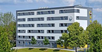 B&B Hotel Regensburg - Regensburg - Building