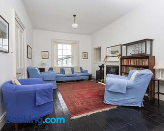 Galley Head Lightkeeper's Houses - Rosscarbery - Living room
