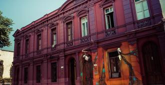La Casa Roja - Santiago de Chile - Edificio