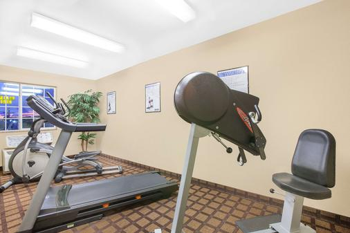 Microtel Inn & Suites by Wyndham Conway - Conway - Gym