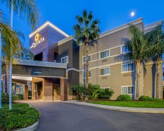 La Quinta Inn & Suites by Wyndham Modesto Salida - Salida - Budova