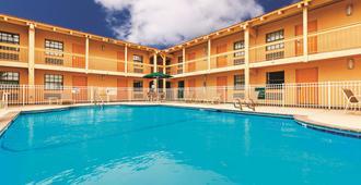 La Quinta Inn by Wyndham Odessa - Odessa - Pool