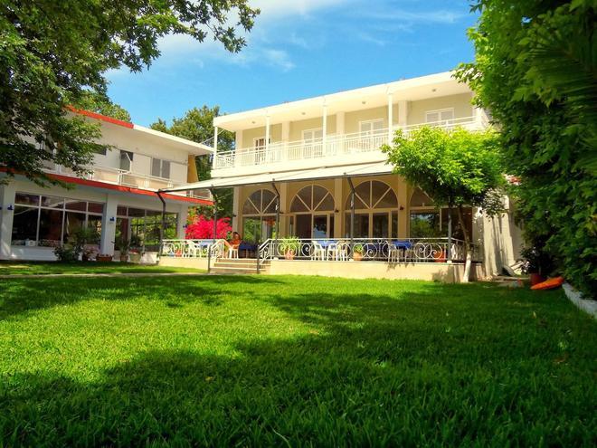 Avra Beach Hotel - Lefkáda - Building