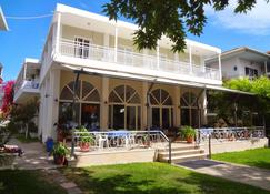 Avra Beach Hotel - Lefkáda - Rakennus