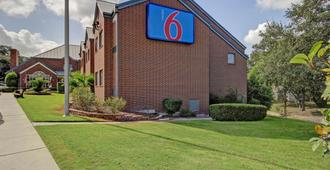 Motel 6 San Antonio Medical Center South - San Antonio - Building