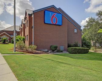 Motel 6 San Antonio Medical Center South - San Antonio - Building