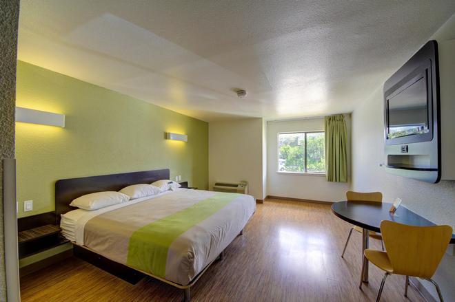 Motel 6 San Antonio Medical Center South - San Antonio - Makuuhuone