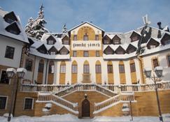 Spa Hotel Zamek Luzec - Nejdek - Edifício