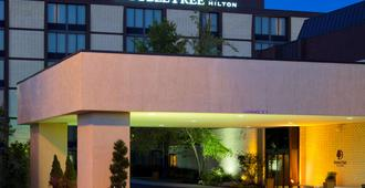 DoubleTree by Hilton Columbus - Worthington - Columbus - Building