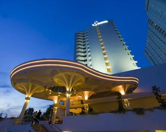 Flamingo By The Beach Penang - George Town - Edificio
