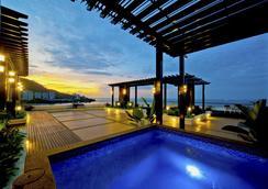 Flamingo By The Beach Penang - George Town - Bể bơi