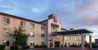 Motel 6 Anchorage - Midtown - Anchorage - Gebäude