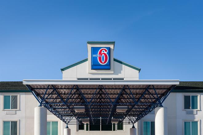 Motel 6 Anchorage - Midtown - Ανκορέιτζ - Κτίριο