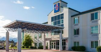 Motel 6 Anchorage - Midtown - Anchorage - Building