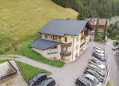 Pension Bergkristall - Heiligenblut - Building