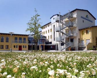 Djh Jugendherberge Greifswald - Грайфсвальд - Building