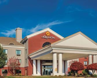 La Quinta Inn & Suites by Wyndham Loudon - Loudon - Building