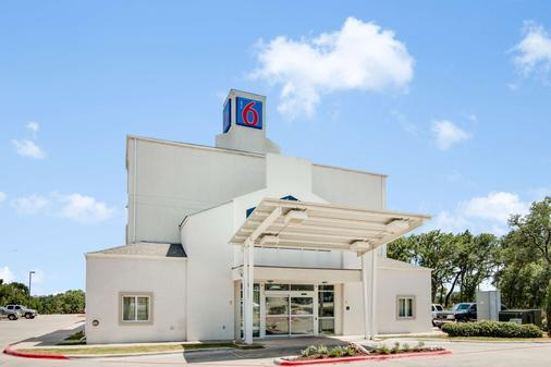 Motel 6 Cedar Park - Cedar Park - Building