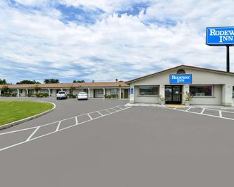 Rodeway Inn Stockton Highway 99 - Stockton - Gebäude