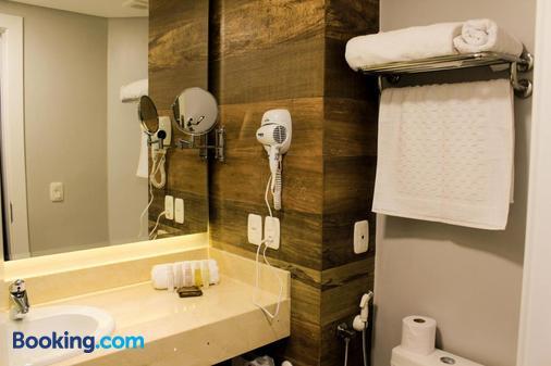 Hotel Cercano - Gramado - Bathroom
