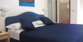 Hotel Tirrenia - Chianciano Terme - Schlafzimmer