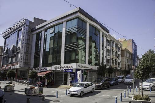 De Maison Airport Hotel - Istanbul - Building