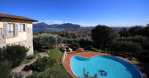 Romantik Hotel Relais Mirabella Iseo - Iseo - Pool