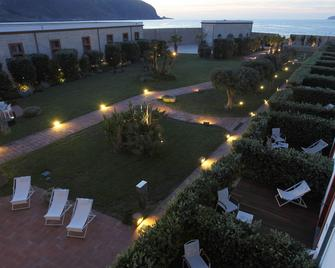 I Pretti Resort - Favignana - Gebouw