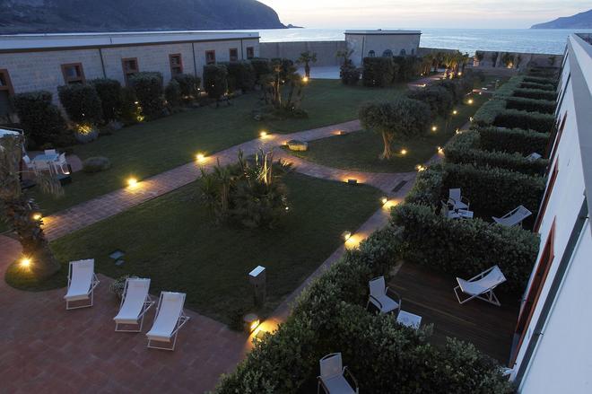 I Pretti Resort - Favignana - Κτίριο
