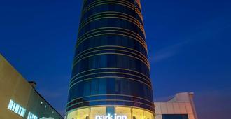 Park Inn by Radisson Istanbul Ataturk Airport - איסטנבול - בניין